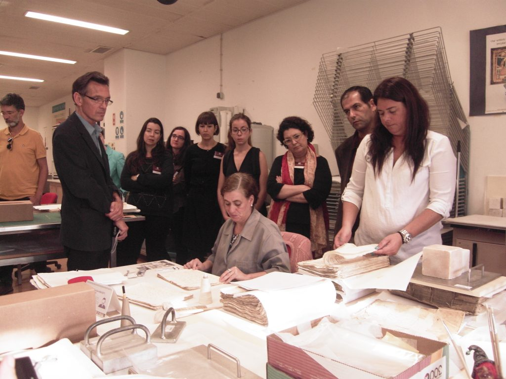 A guided Tour in Torre do Tombo National Archive- Old books conservation